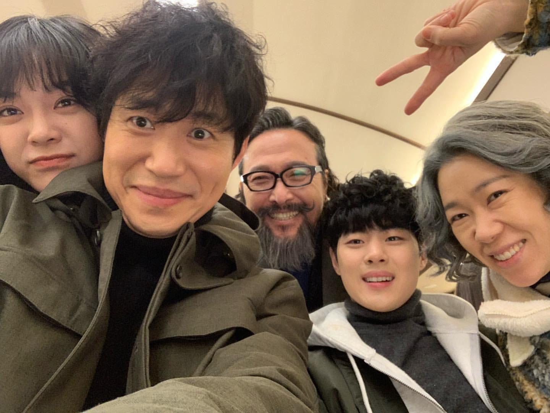 경이로운 소문 (2020) (좌에서 우로) 「김세정」, 「유준상」, 「안석환」, 「조병규」, 「염혜란」